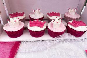 Cupcakes με κορώνα